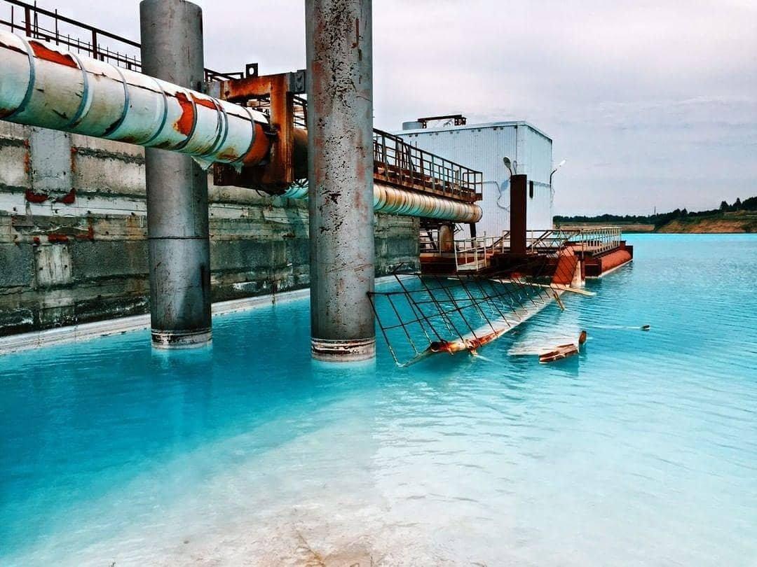 «Русские Мальдивы»: стоит ли ехать на красивое, но смертельно опасное озеро в Сибири?